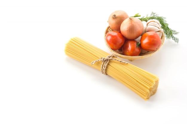 Droge pasta spaghetti met ingrediënt