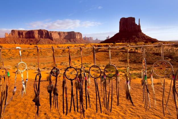 Dromenvanger van navajo monument west mitten butte