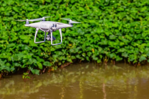 Drone neemt een hoge hoek op
