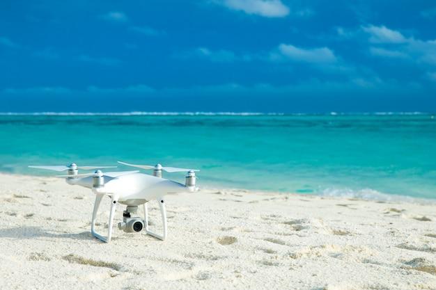 Drone op strand