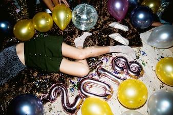 Dronken mensen in een feestje