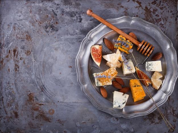 Druif, kaas, vijgen en honing
