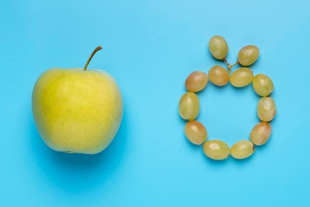 Druiven en appel arrangement bovenaanzicht