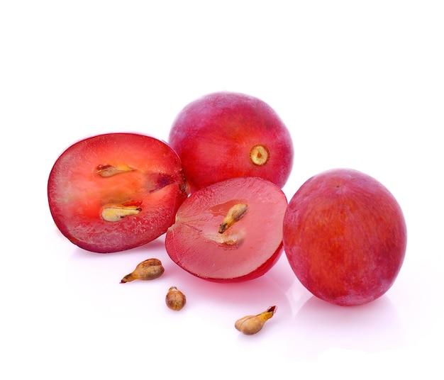 Druivenpit, druiven geïsoleerd op een witte achtergrond.