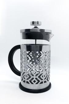 Druk op geïsoleerd koffiezetapparaat. franse pers in roestvrij staal met verwijderbare kolf van borosilicaatglas.