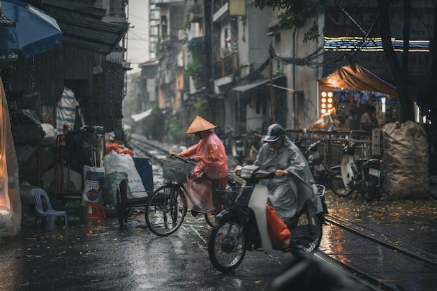 Drukke straat in hanoi, vietnam