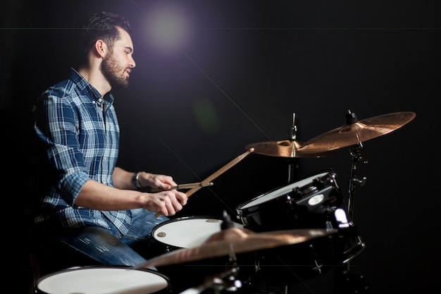Drummer zijaanzicht