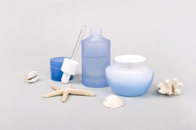 Druppels tegen vervuiling en crème voor dagelijkse verzorging