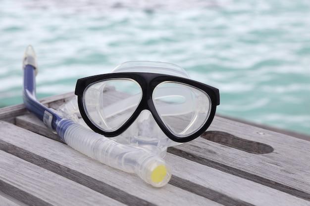 Duikbril en een snorkel