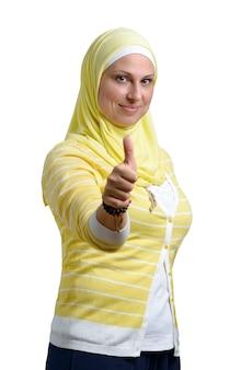 Duim omhoog moslimvrouw