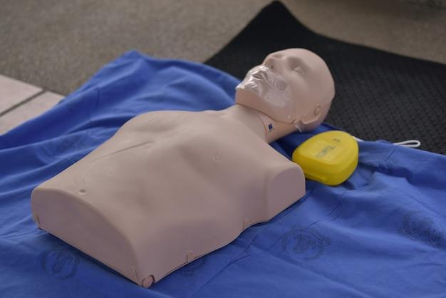 Dummy-reanimatie voor basale levensondersteuning van trainers