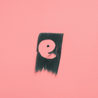E eén letter groen tropisch blad alfabet roze