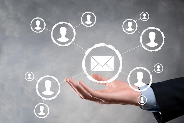 E-mail en gebruikerspictogram, teken, symboolmarketing of nieuwsbriefconcept, diagram
