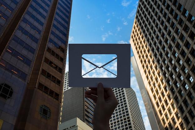 E-mail netwerkcommunicatie geperforeerde papieren brief