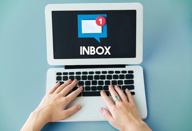 E-mailwaarschuwing pop-upherinneringsconcept