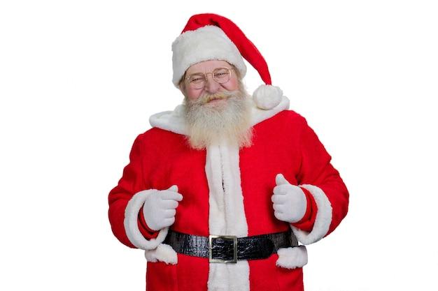 Echte bebaarde kerstman op witte achtergrond.
