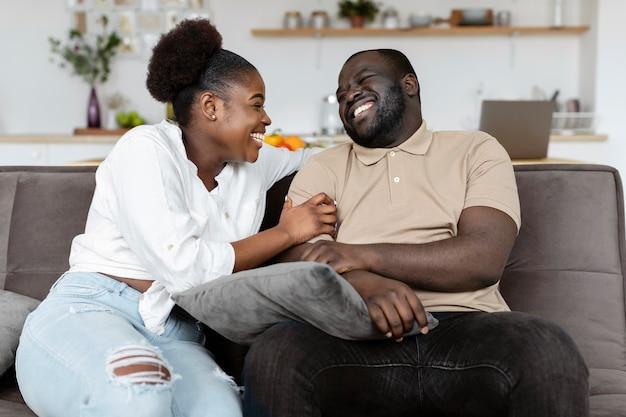 Echtgenote en echtgenoot hebben wat quality time samen