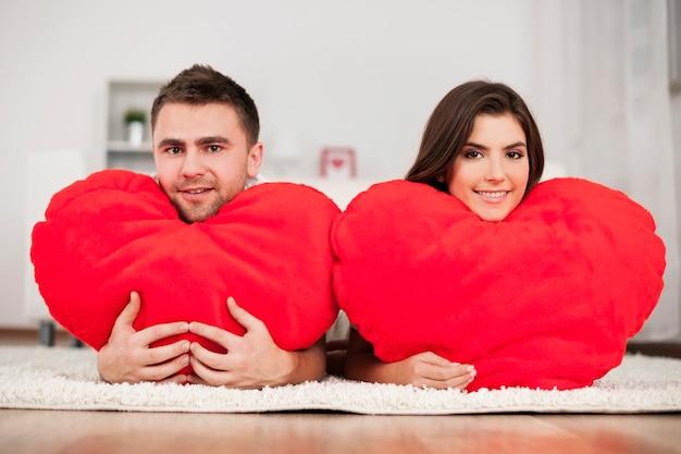 Echtpaar met grote harten