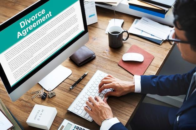 Echtscheidingsovereenkomst besluit document opsplitsing concept