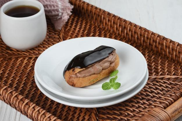 Eclairtraditioneel frans dessertzoete banketbakkersproducten