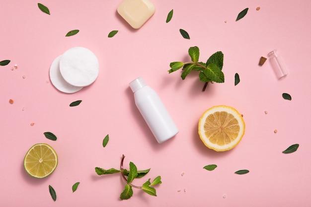 Eco biologische cosmetica op tafel