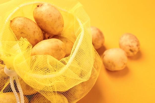 Eco tas met aardappel op kleur