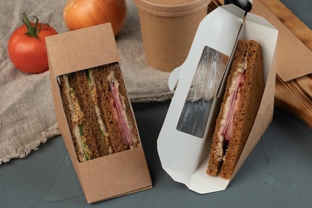 Eco-verpakking kartonnen voedselcontainers voor bezorgservice