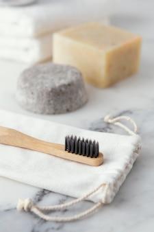 Eco-vriendelijke houten tandenborstel