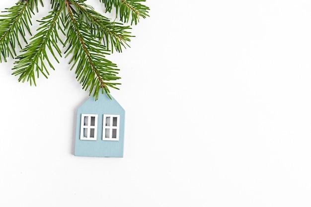 Eco-vriendelijke kerstvakantie decoratie en houten ornamenten