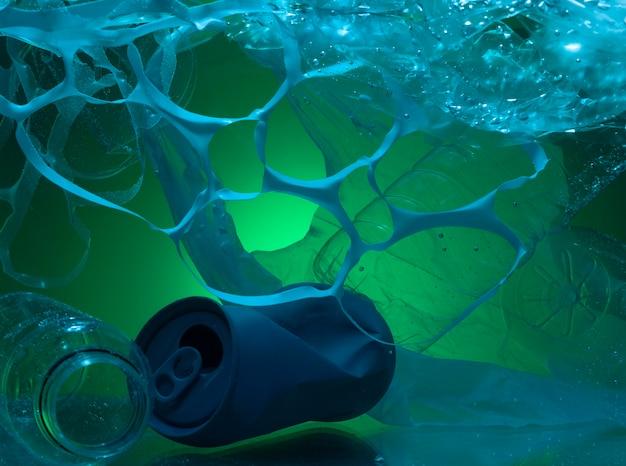 Ecologisch concept met plastic afval