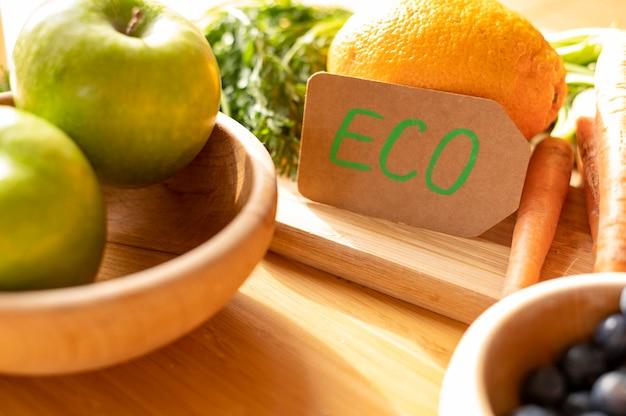 Ecoteken van de close-up dichtbij vruchten