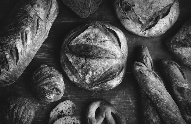 Een assortiment van brood broden food fotografie receptideeën