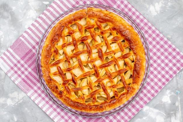 Een bovenaanzicht heerlijke appeltaart cake koekje suiker fruit