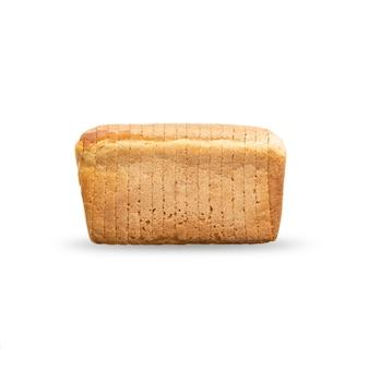 Een brood van heerlijk tarwebrood dat in plakjes is gesneden ligt op tafel, isoleert op een witte achtergrond zijaanzicht