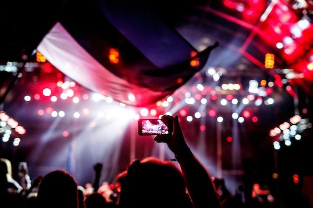 Een concert opnemen met een mobiele telefoon