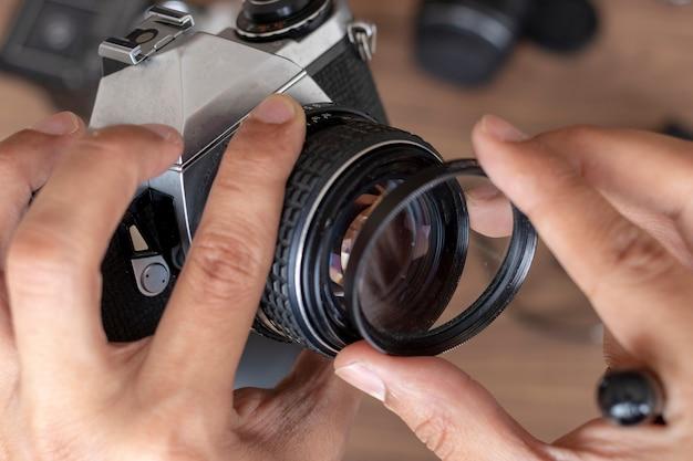 Een fotografische fotocamera plaatsen