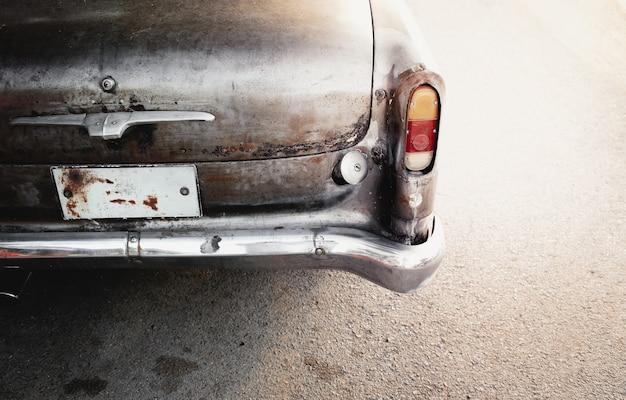 Een historische auto, oude vintage auto.