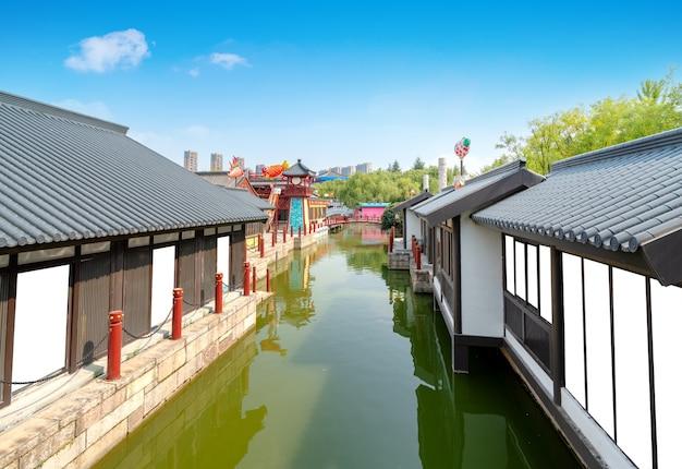 Een kleine stad in jiangnan-stijl, xi'an, china.