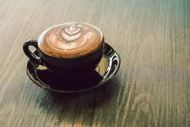 Een kop cacao in koffiewinkel