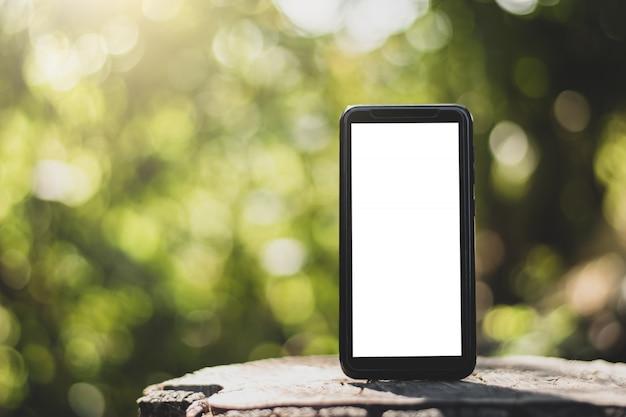 Een lege scherm-smartphone.