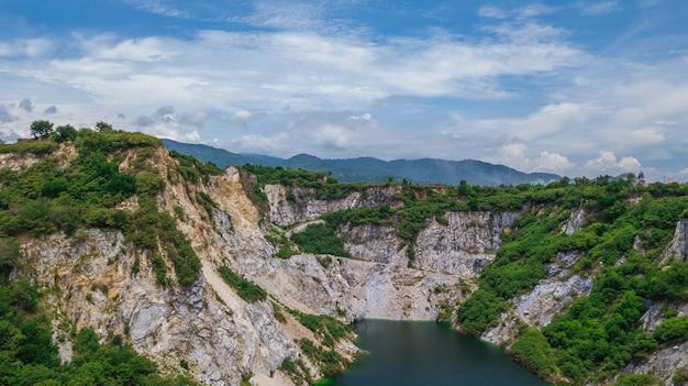 Een luchtmening van grand canyon chonburi thailand, oriëntatiepunt in chonburi thailand