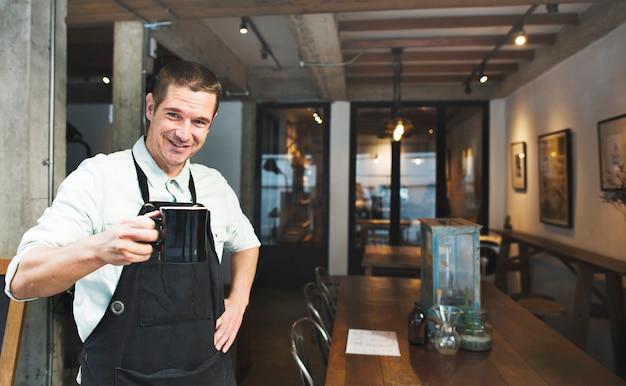 Een manager van een coffeeshop