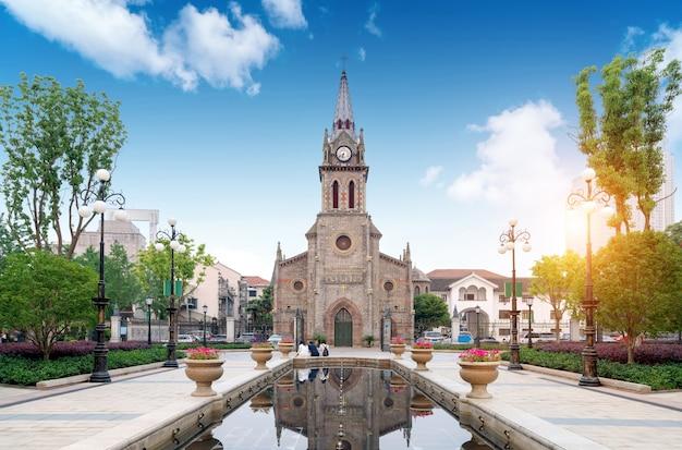 Een middeleeuws kerklandschap