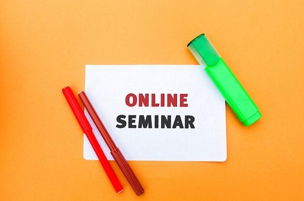 Een notitie met de inscriptie online seminar