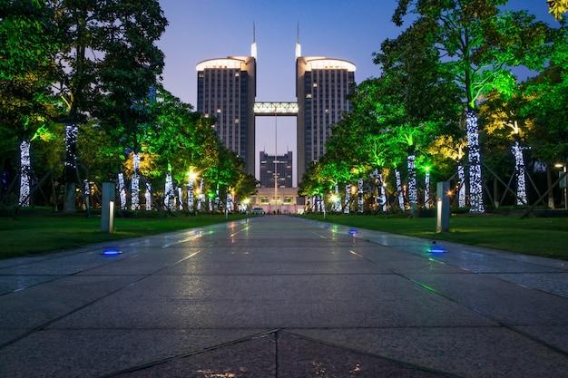 Een park en de stad