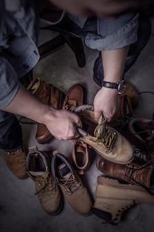 Een schoenmaker, chinese, aziatische mannen
