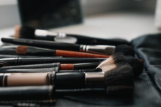 Een set borstels voor make-up.