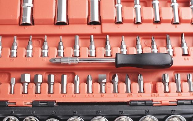Een set mondstukken van verschillende maten voor schroevendraaier.
