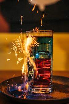 Een shot met vuur en kaneel