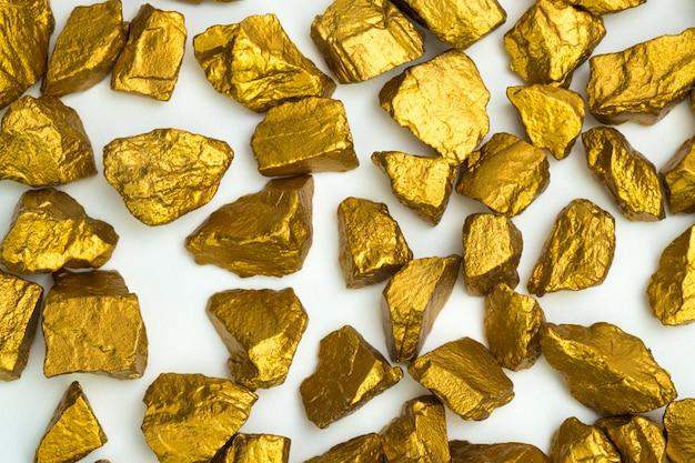 Een stapel goudklompjes of gouderts